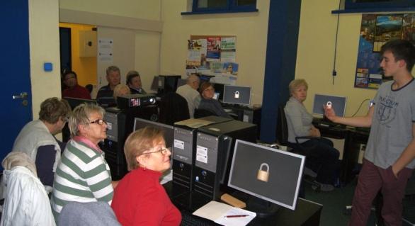 Warsztaty z zakresu obsługi komputera dla osób starszych – poziom średnio-zaawansowany